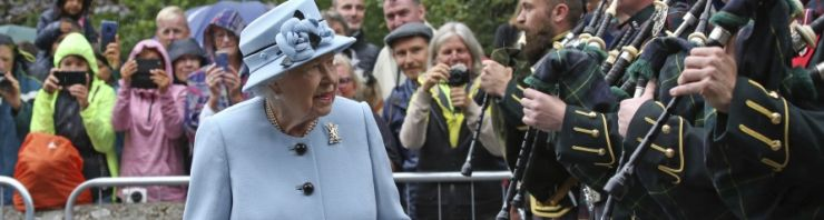 c_740_198_16777215_00_images_assets_Global3_ap_britain_queen_elizabeth_06Aug19.jpg